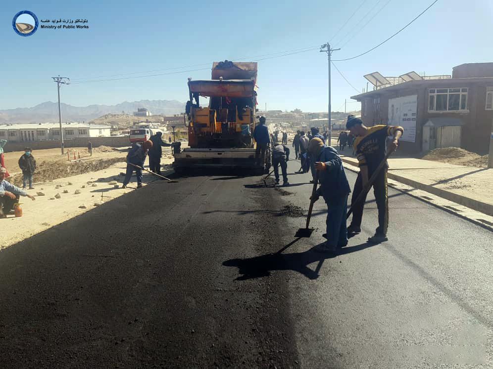 اعمار و ساختمان سرک های داخل شهر نیلی ولایت دایکندی ۴۷ فیصد پیشرفت کاری دارد