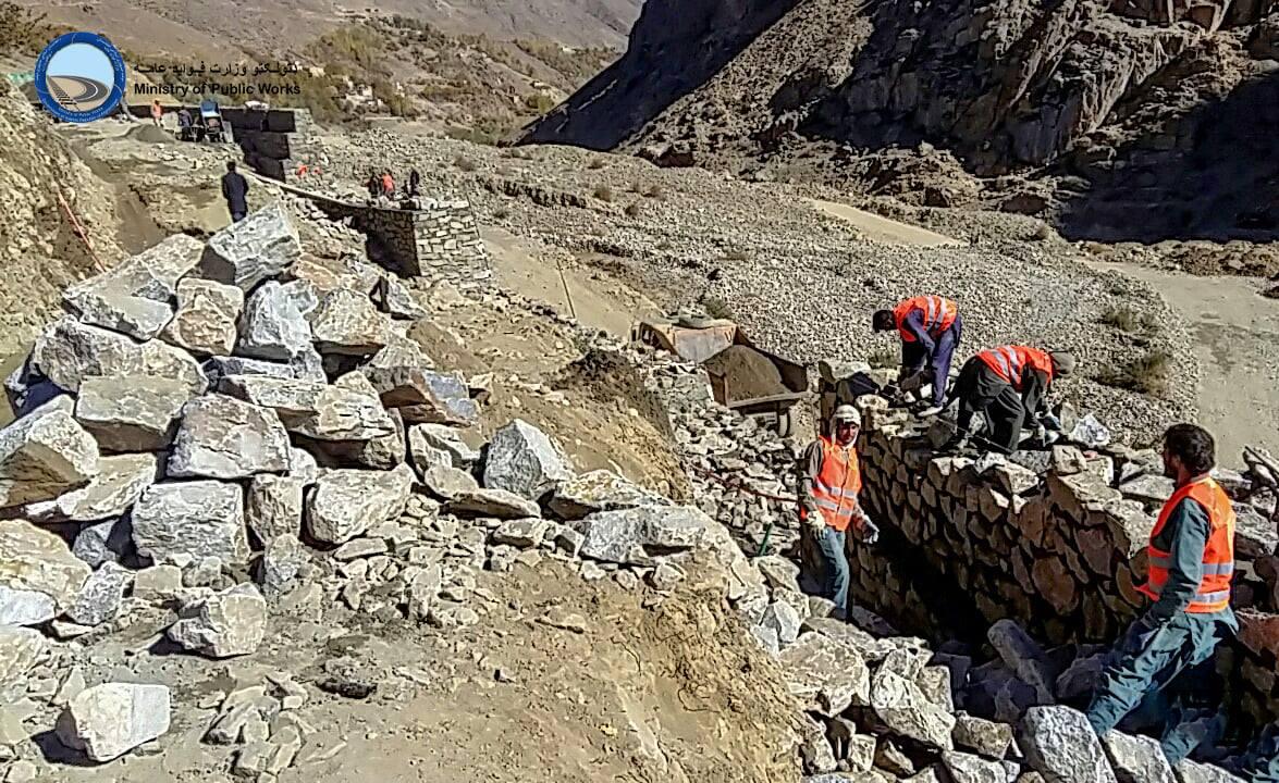 ساختمان سرک ولسوالی آبشار ولایت پنجشیر ۲۵ فیصد پیشرفت کاری دارد